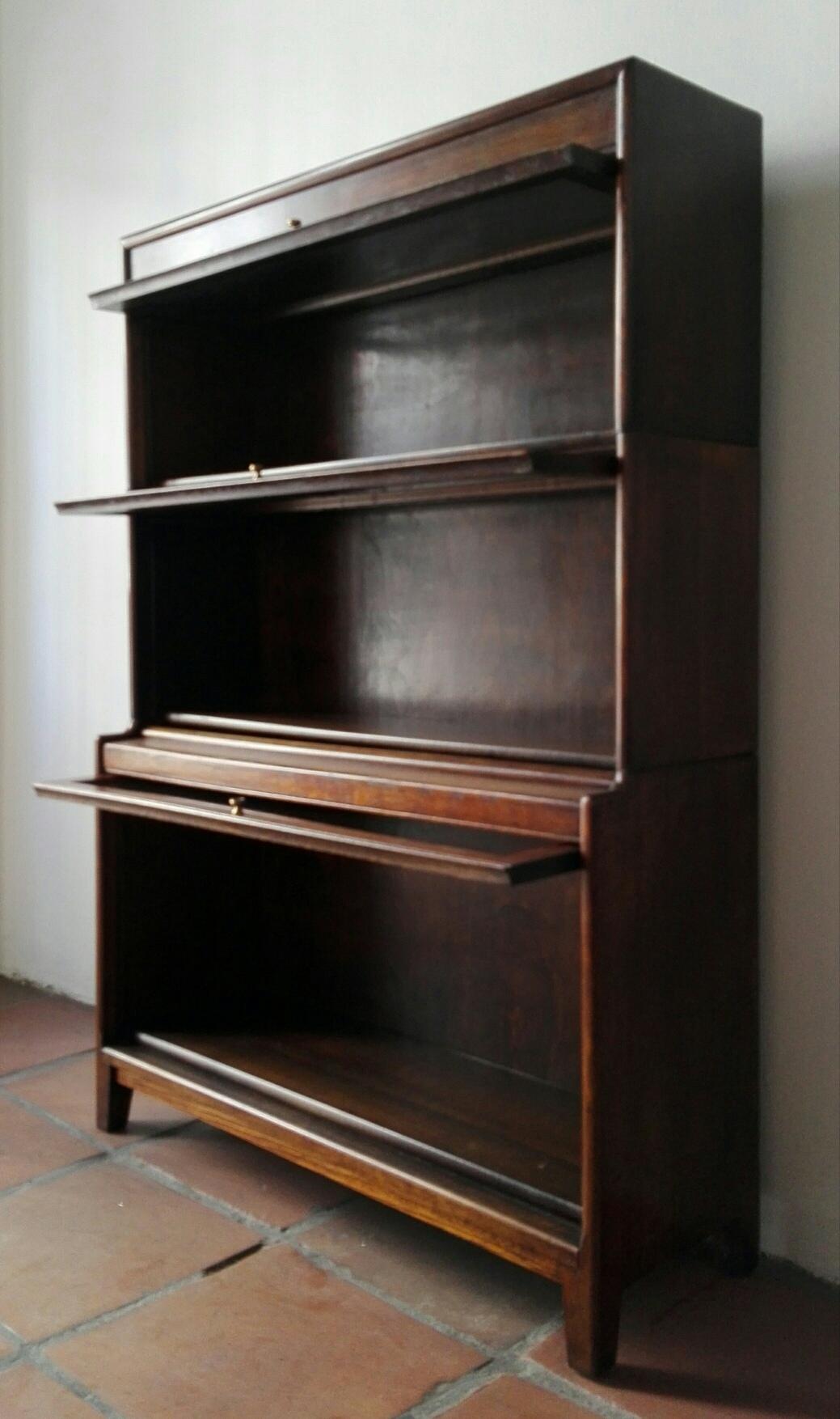 Oak Barristeru0027s Cabinet