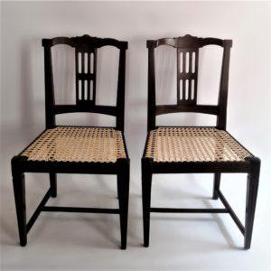split-splat chairs